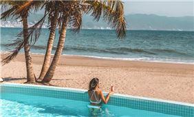 Beach Club Views
