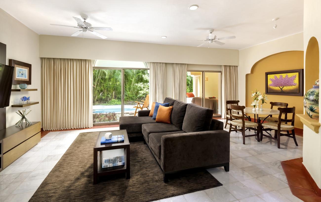 wellness suite livingroom Hotel Casa Velas