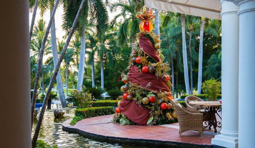 Holidays-Fun-christmas-tree-casa-velas